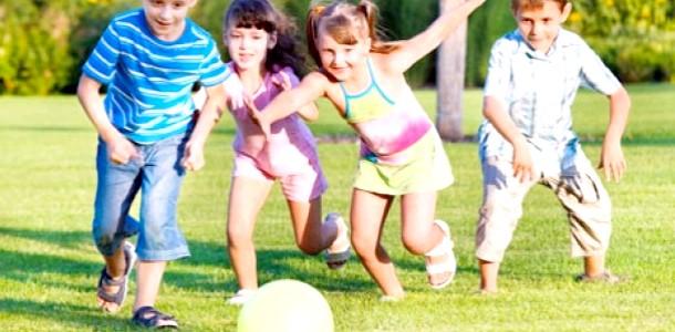 5 Ігор з м'ячем: ідеї для пікніка