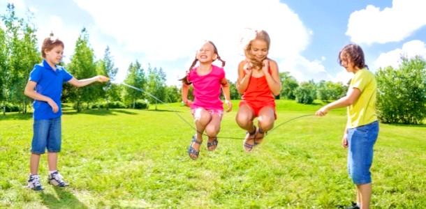 5 Веселих ігор зі скакалкою фото