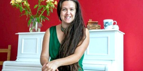 Англійка вийшла заміж за саму себе (ФОТО)