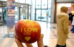 Англійські вірші про яблуко. Poems about apples