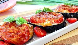 Баклажани з помідорами і часником
