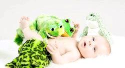 Що повинен уміти дитина в 1 місяць. Тест фото