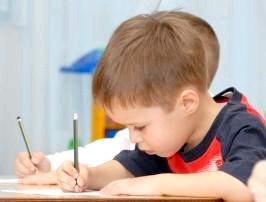 Що повинен уміти дитина в 3 роки? фото