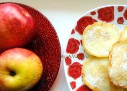 Дитячі рецепти. Млинці з яблуками