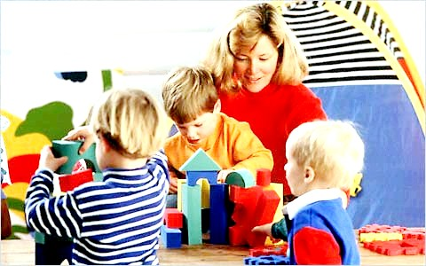 Дитячий садок vs вихователь: як зробити правильний вибір