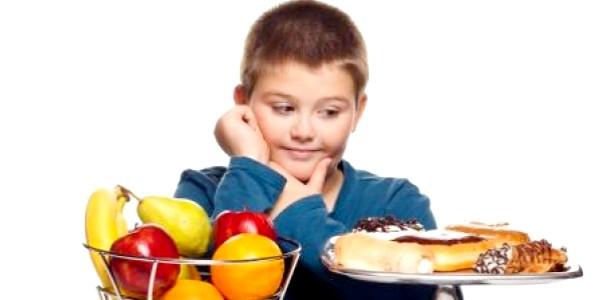 Дитяче ожиріння: які помилки роблять батьки (відео)