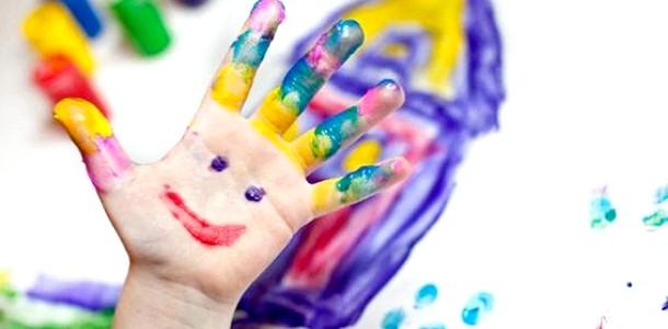Є ідея! Робимо малюнки відбитками рук (ФОТО)