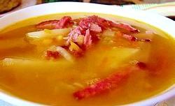 Гороховий суп з копченими реберцями