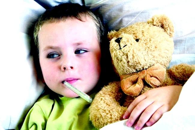 Гроза здатна викликати напад астми фото