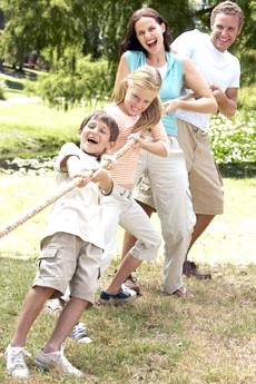 Ігри на природі з дитиною фото