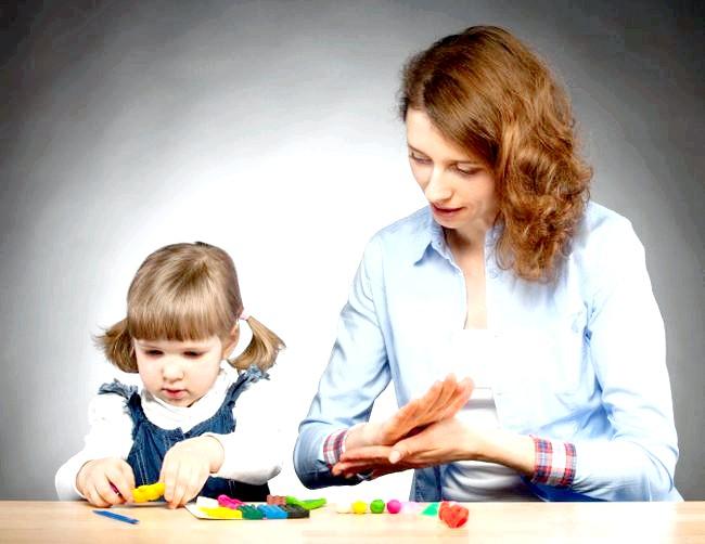 Як навчити дитину ходити самостійно: поради батькам