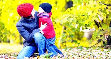 Як одягнути дитину по погоді: правила для батьків