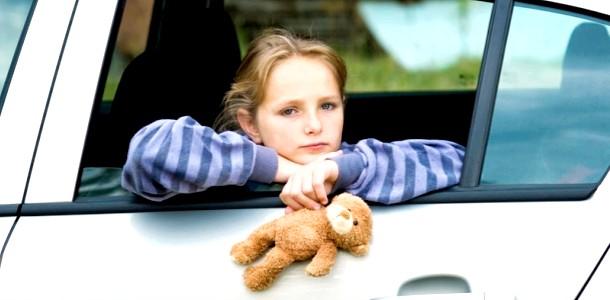 Як допомогти, якщо дитину закачує у транспорті