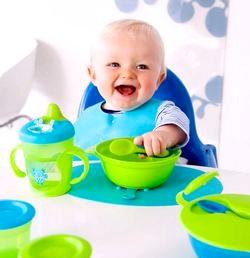 Як привчити дитину їсти за спільним столом