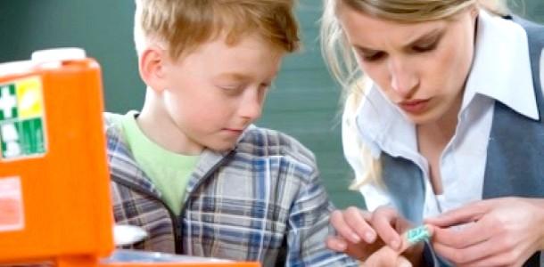 Як зробити перев'язку дитині