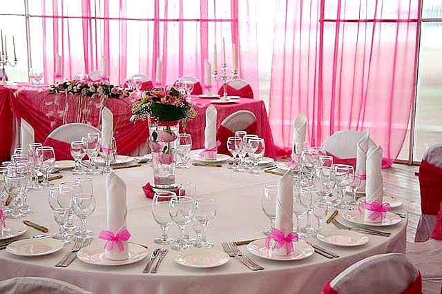 Як прикрасити весільний зал? фото