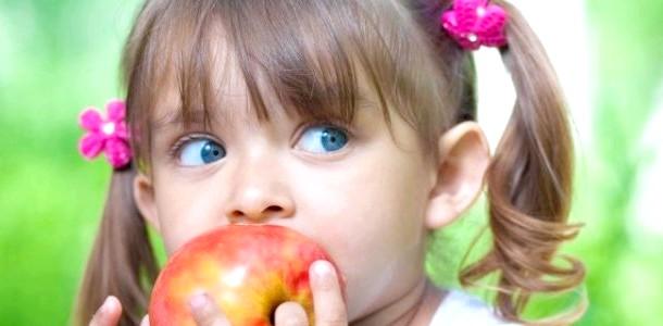 Як вибрати корисні яблука для дитини