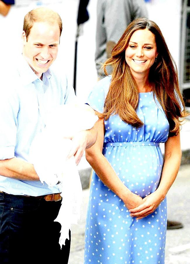 Кейт Міддлтон вийшла в світ після народження принца (ФОТО) фото