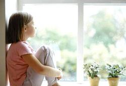 Коли можна залишати дитину саму вдома