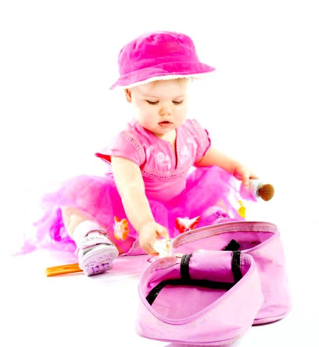 Косметика під час вагітності: як розшифрувати складу