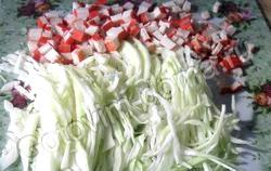 Крабовий салат з капустою. Кращі рецепти