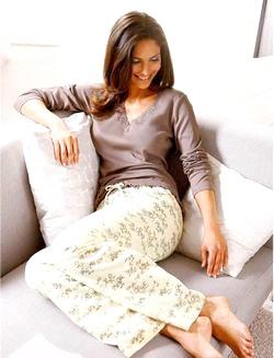 Красива домашній одяг для жінок