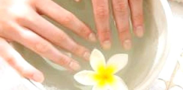 Парафінотерапія: відновлюємо шкіру рук (відео)
