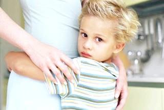 Чому маленькі діти, так прив'язані до батьків?