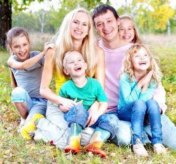 Допомога багатодітним сім'ям в Україні в 2013 році (пільги багатодітним сім'ям в Україні) фото