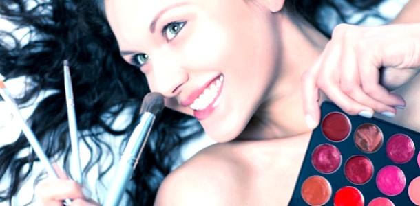 Правила макіяжу для старшокласниць: поради Романа Мідного (відео)
