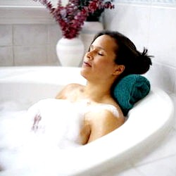 Приймати ванну під час вагітності фото
