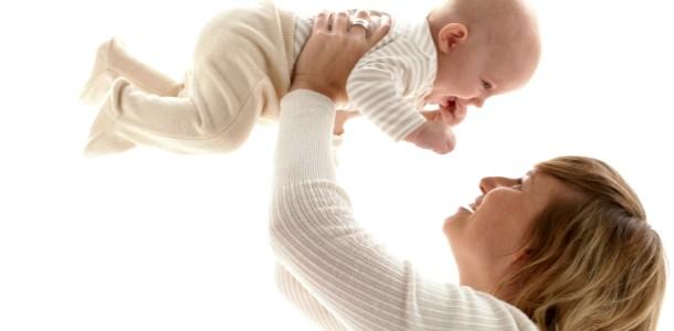 Розвиток дитини в 3 місяці: навички та вміння