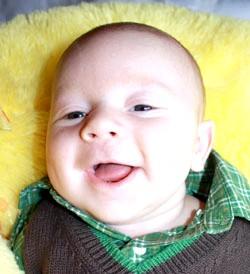 Розвиток дитини. Другий місяць фото