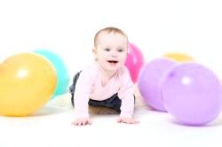 Розвиток дитини в 8 місяців фото