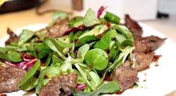 Рецепт. Салат з курячою Печеа і оливками