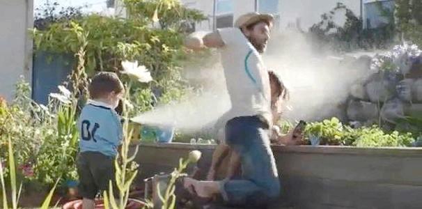 Рекламний ролик «Батьківство» від Apple