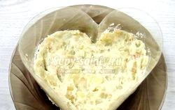 Салат листковий з ананасом і куркою «Серце». Рецепт з покроковим фото