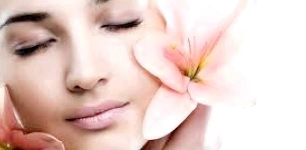 Секрети краси: чистка обличчя у себе вдома (відео)