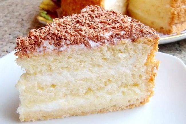 Торт зі сметанним кремом