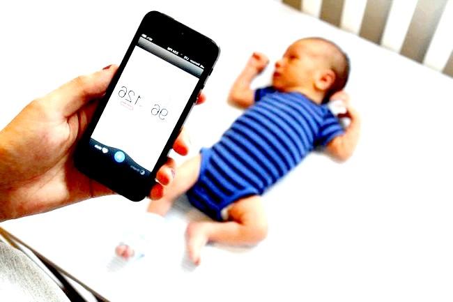 Розумний підгузник розповість про проблеми сечовивідної системи малюка