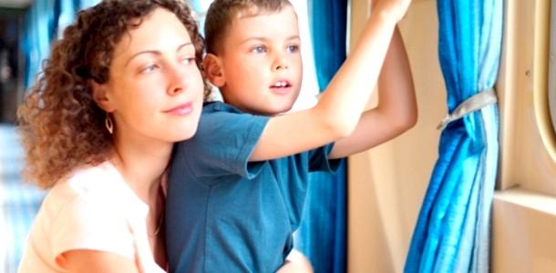 У поїзді з дітьми: як не збожеволіти