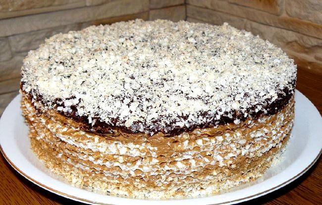 Вафельний торт зі згущеним молоком