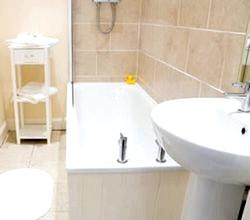 Ванна кімната з усіма зручностями фото