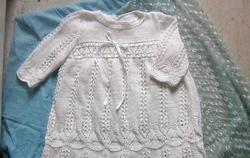 В'язане хрестильне плаття спицями. Схема і опис