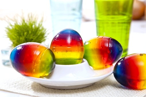 Яйця з желе всіх кольорів веселки