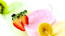 Смачні рецепти холодних молочних коктейлів