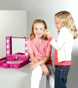 Вибираємо косметику для дівчинки