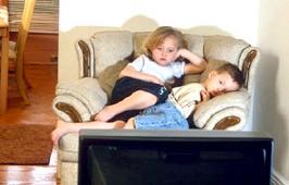 Затримка розвитку мовлення у дітей раннього віку і телевізор