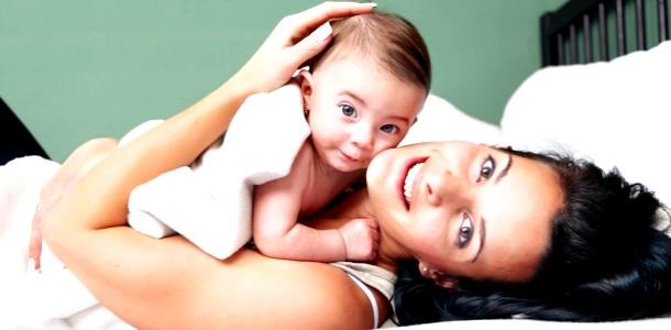 Жінки, які народжують після 33 років, живуть довше фото