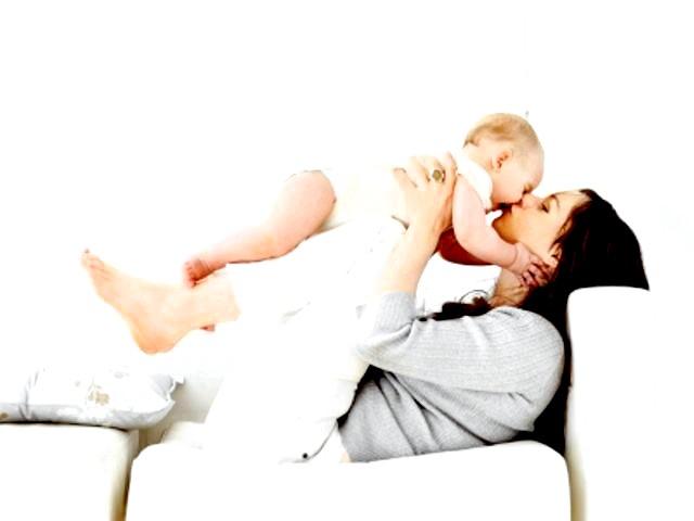 Життя з немовлям: що потрібно знати мамі фото
